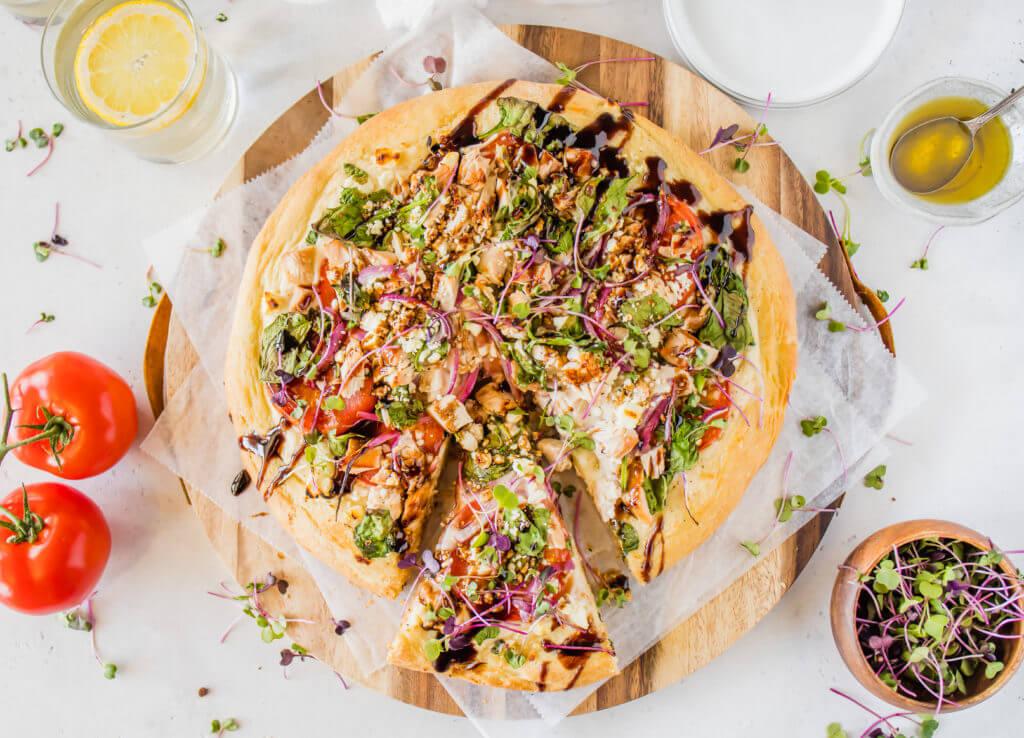 chicken feta pizza